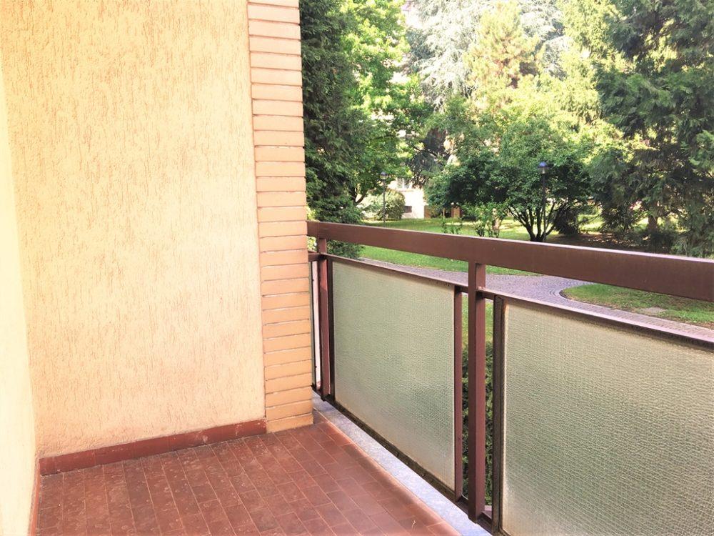 11-t304-balcone2