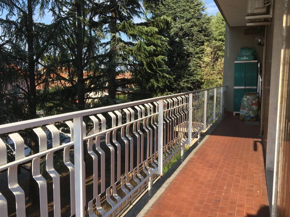 10-t308-balcone2