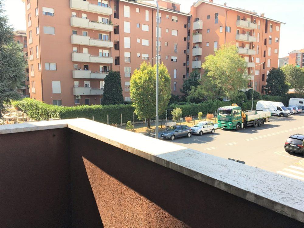 12-t309-balcone-cucina