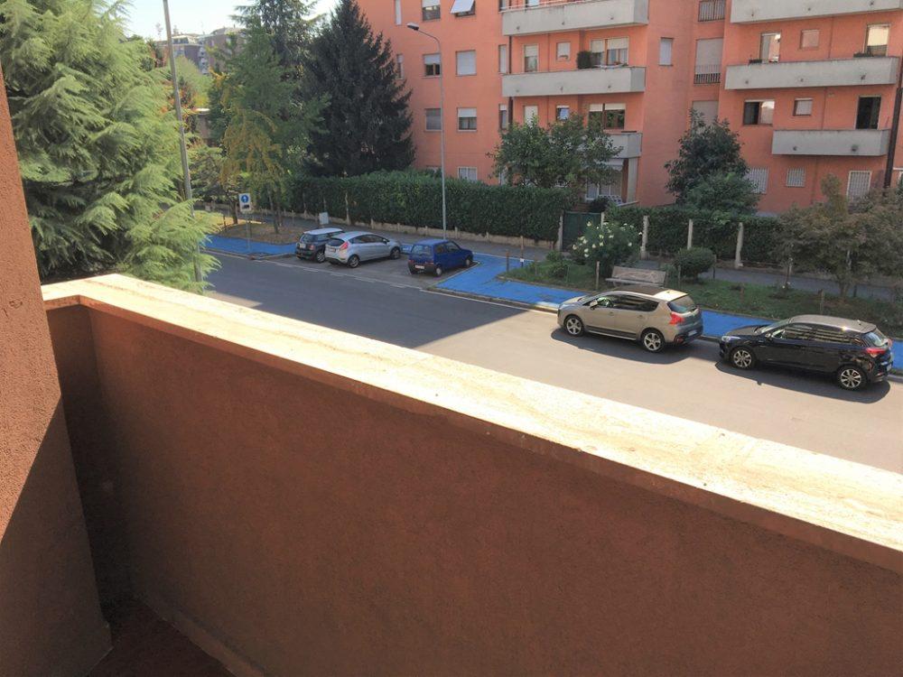 13-t309-balcone-cameretta