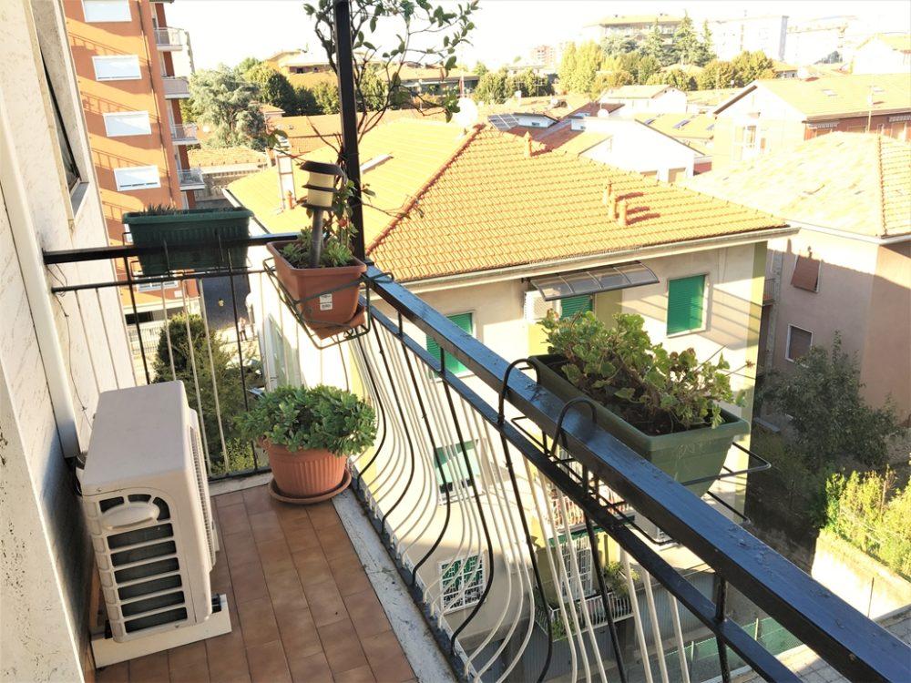 9-b326-balcone1