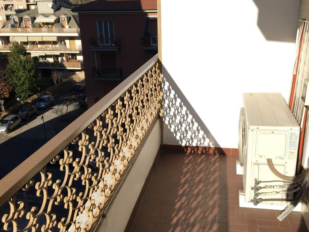 11-t315-balcone2