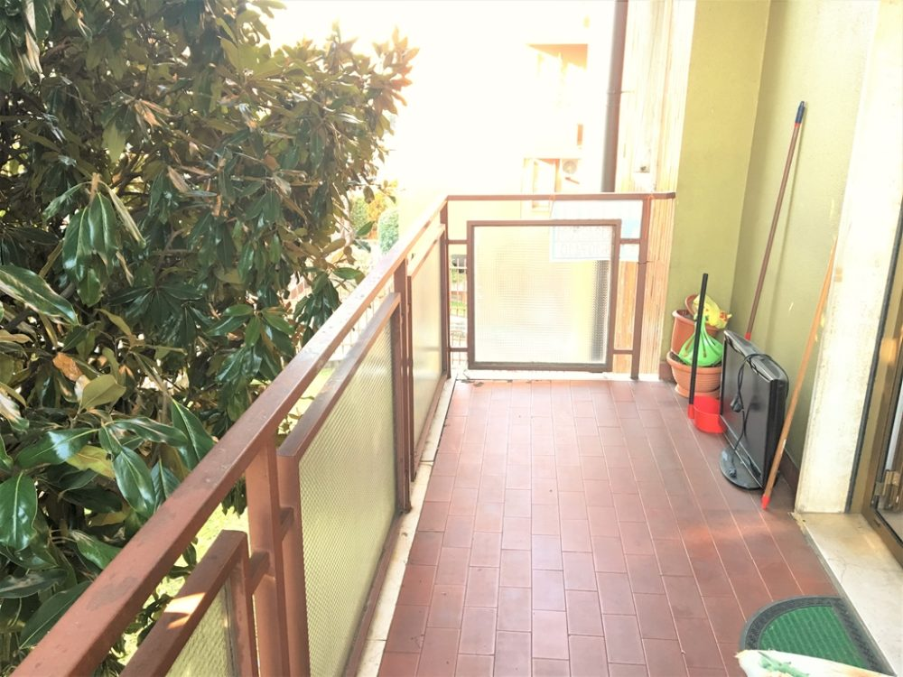 8-b330-balcone2