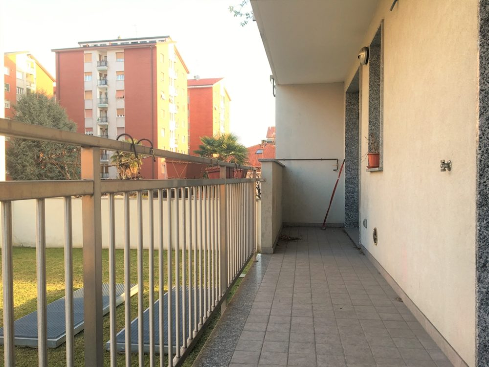 8-t314-balcone1