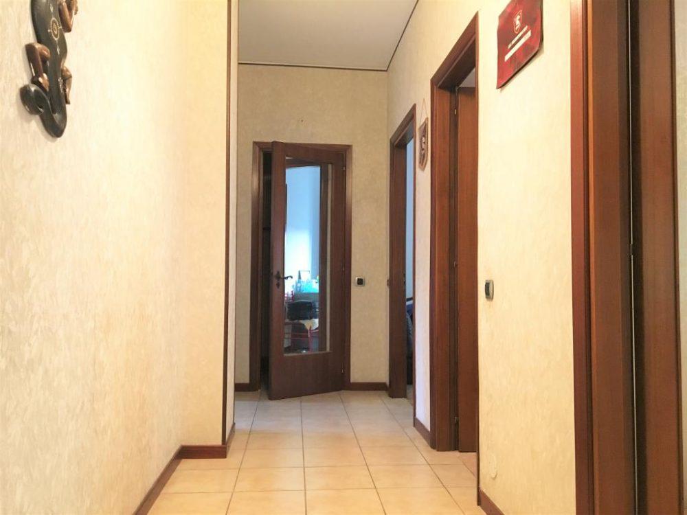 6-b335-corridoio2