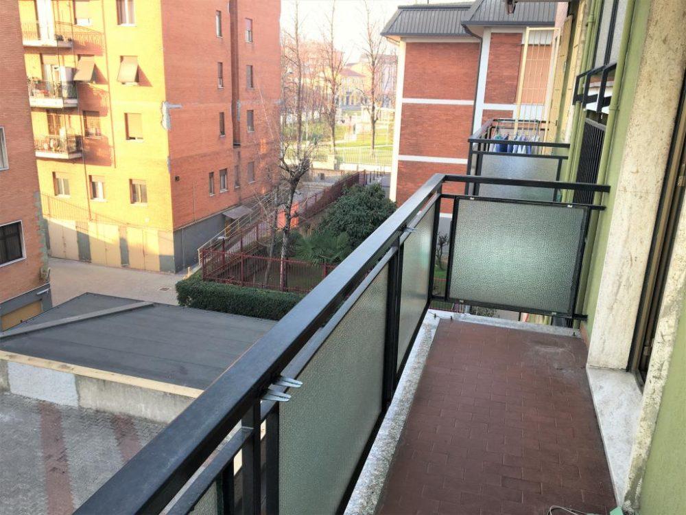 8-b335-balcone