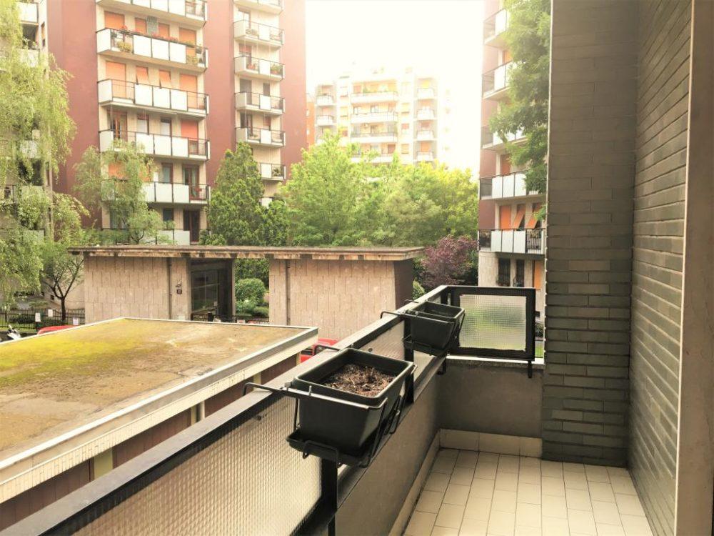 12-a351-balcone2